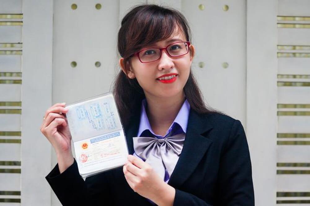 How can Qatar citizens apply for Vietnam tourist visa?